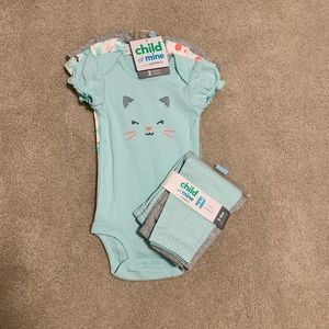 Girls onesies and leggings 3-6 mo